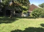 Garten Blick zu Scheune